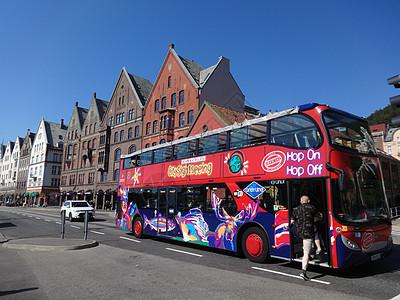 挪威双层透明车顶巴士图片