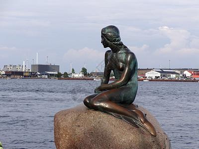 丹麦著名的美人鱼雕塑图片