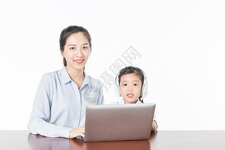 老师给儿童培训图片