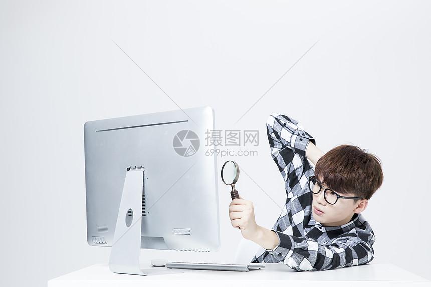 IT男工作电脑图片
