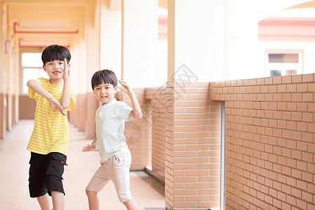 小学生校园生活图片