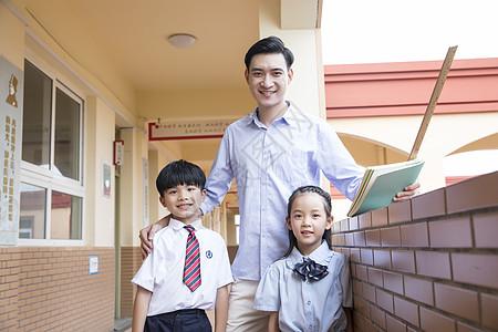 男教师和学生图片