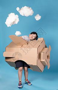 儿童玩飞机图片