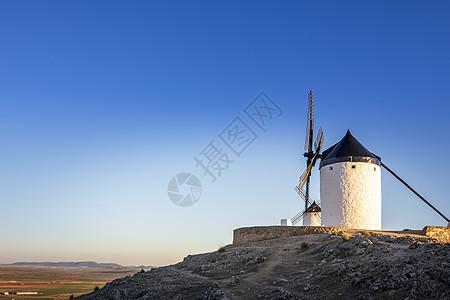 西班牙唐吉可德风车小镇图片