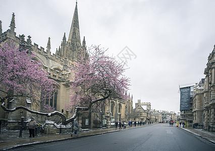 英国牛津大学雪景图片