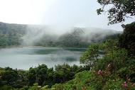哥斯达黎加波阿斯火山上的火山湖是全世界最酸性的湖泊之一图片