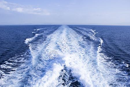 爱琴海油轮浪花图片