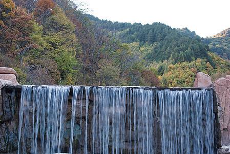 美丽谷瀑布图片