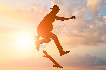 滑板男孩图片