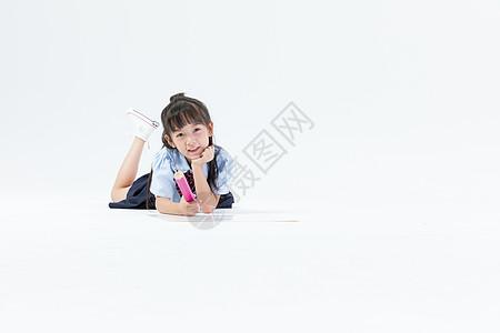 小女生学习画画图片