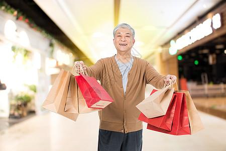 老年人购物图片