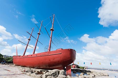 海边的渔船图片