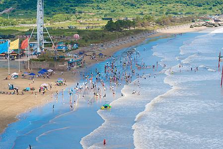 夏日海水浴场图片
