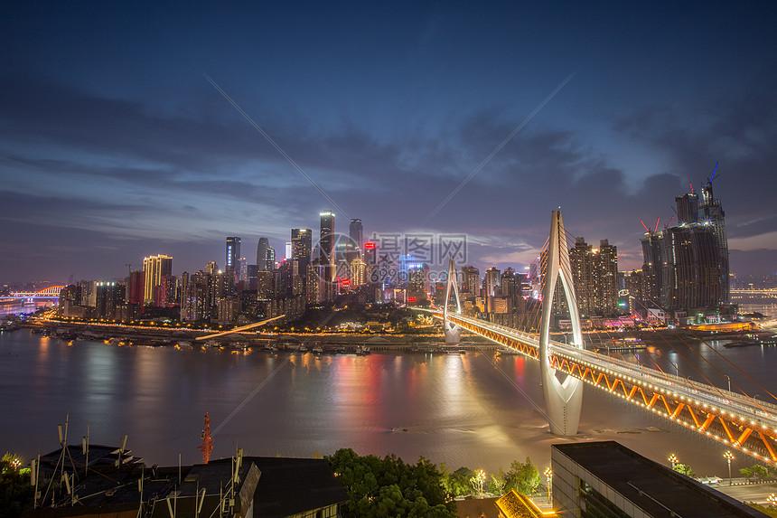 重庆市东水门大桥夜景图片
