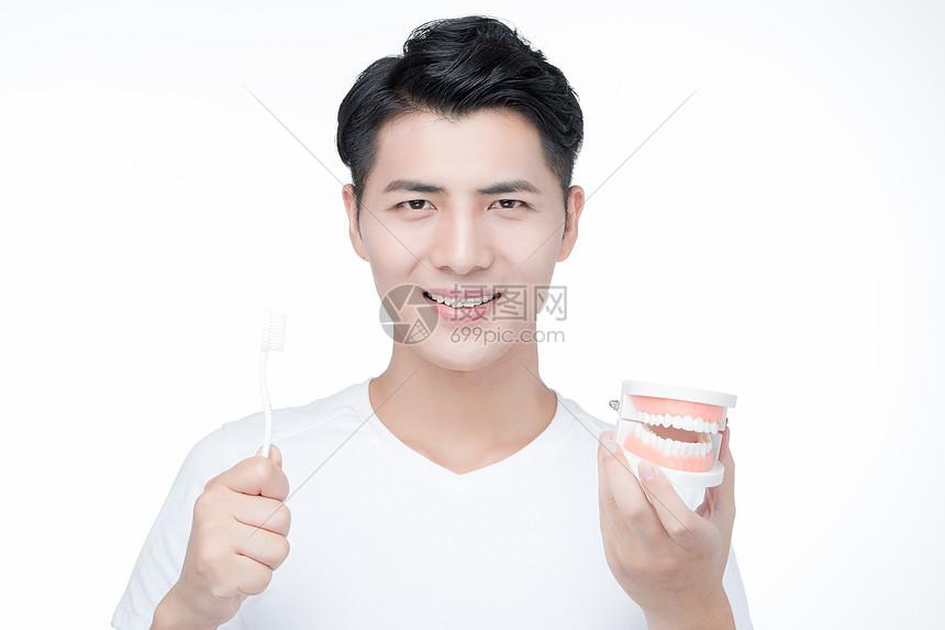 男性牙齿护理图片