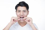 男士牙套图片