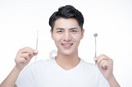 男性口腔护理图片