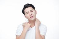 男士颈椎病图片
