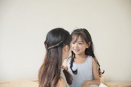 女孩和母亲图片