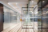 现代办公区走廊图片