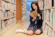日系美女写真图片