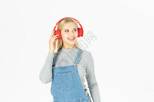 留学生戴耳机图片