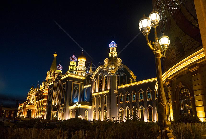 满洲里套娃广场夜景图片