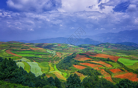 云南东川高原红土地图片
