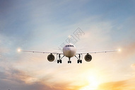 飞行的飞机图片