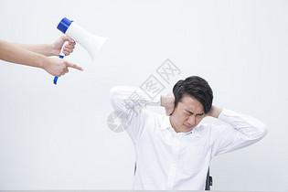 商务男性喇叭图片