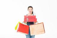 青春大学生购物抱礼盒501037399图片