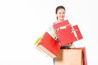 青春大学生购物抱礼盒501037415图片