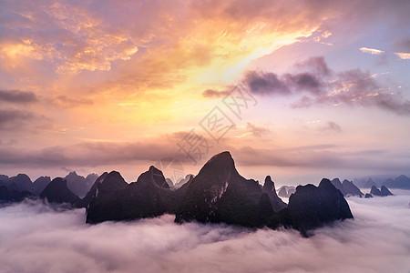 桂林的云霞与山图片