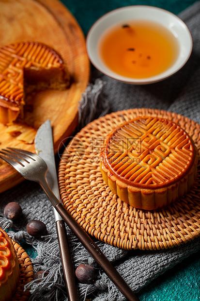 中秋传统美食月饼图片