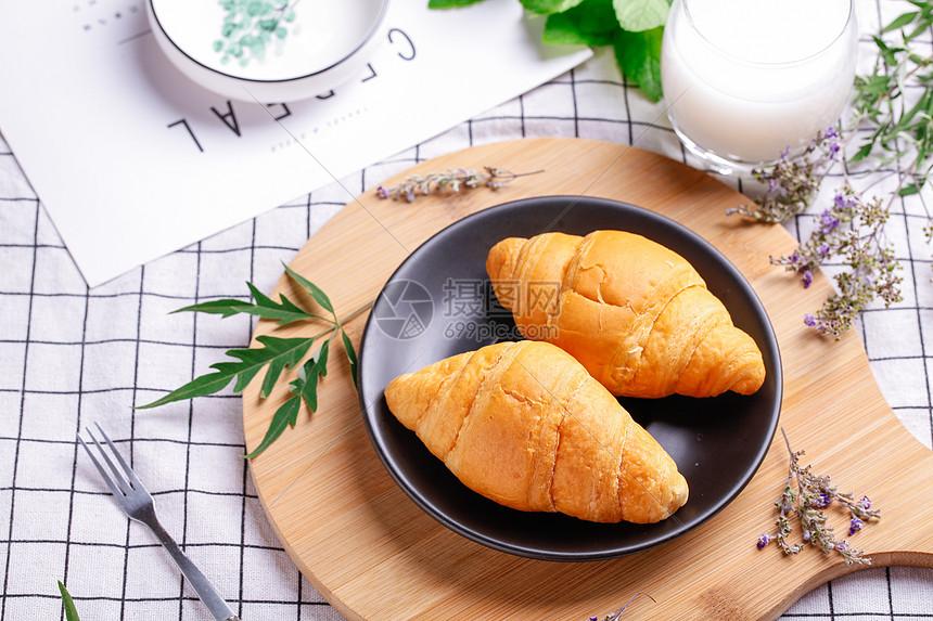 健康早餐牛角包图片