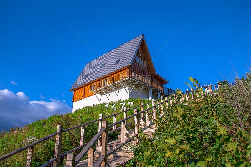 山顶木屋图片