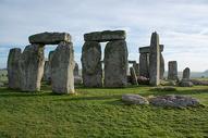 英格兰威尔特郡埃姆斯伯里巨石阵图片