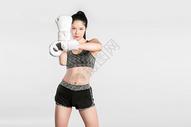 戴拳套的健身美女501041982图片