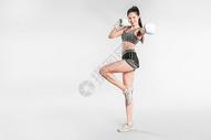 戴拳套的健身美女501041984图片
