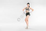 戴拳套的健身美女501041989图片