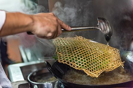 葱烤鲫鱼制作过程图片