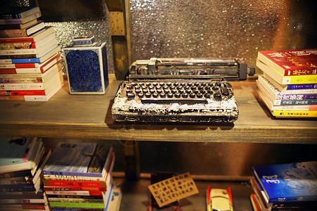 怀旧的老式打字机图片