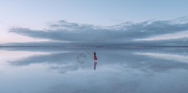 天空之镜茶卡盐湖图片
