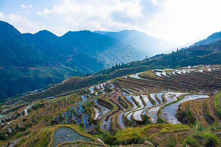 贵州黔东南苗族侗族自治州月亮山梯田图片