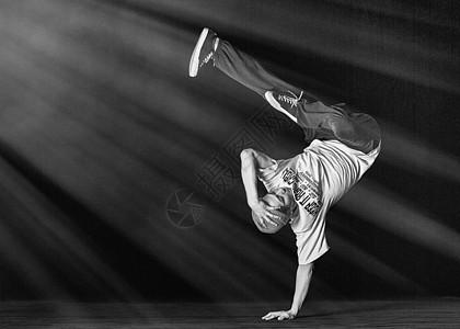 潮流街舞男孩图片