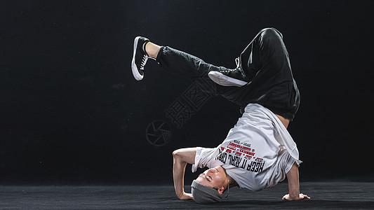 breaking街舞男孩图片