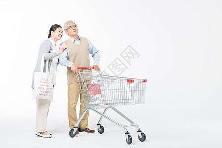 恩爱的老年夫妻购物图片