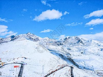 冬日雪霁的川西折多山图片