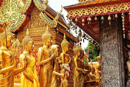 清迈素贴山双龙寺的金身佛像图片
