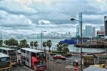 台风天的香港中环码头图片